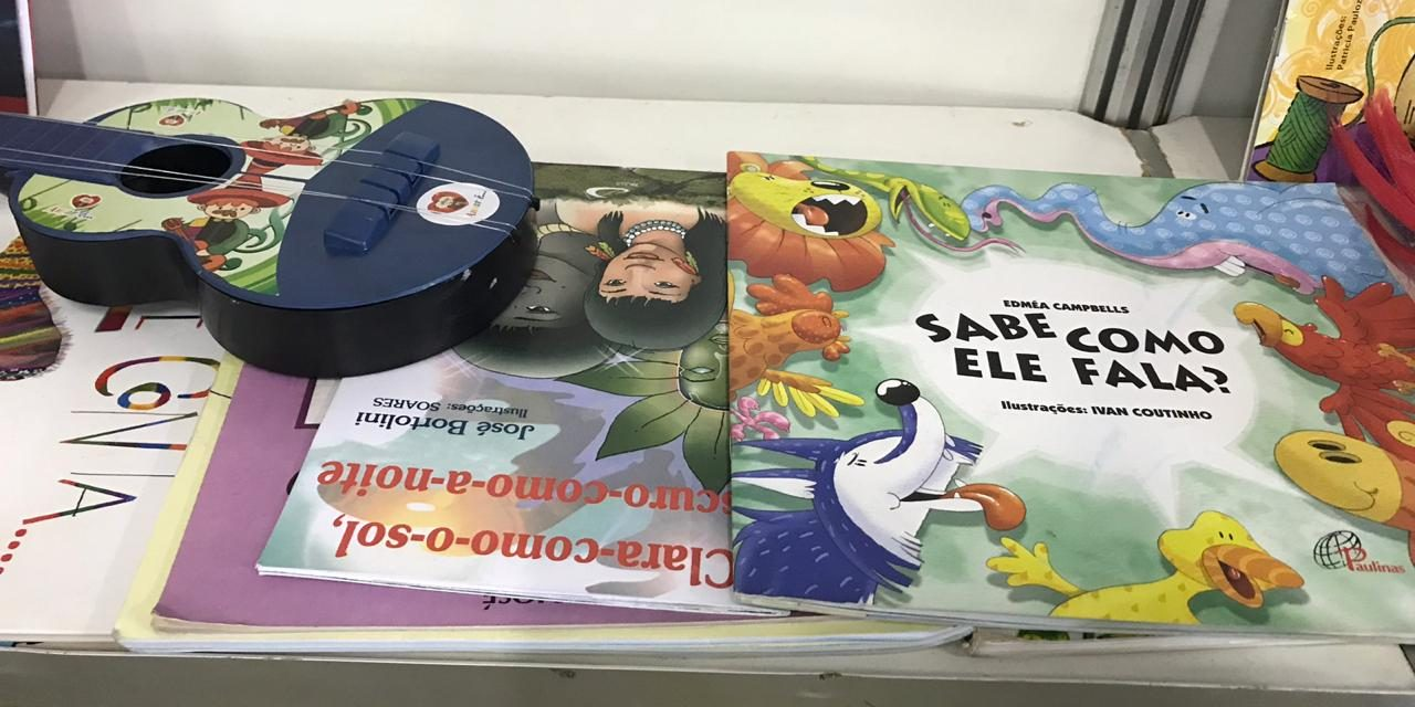 Contação de histórias promovida pelos alunos de pedagogia da UFMA faz parte da programação do Salimp