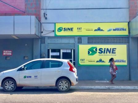 Agendamento eletrônico não impede filas de espera em Sine Municipal