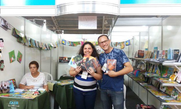 Escritores de diferentes estados do Brasil divulgam presencialmente seus livros no 16° Salimp