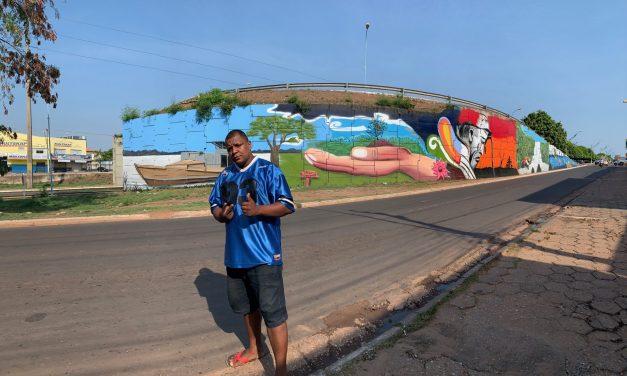 """""""A Prefeitura nunca me convidou para grafitar o viaduto, isso foi uma atitude que nós tomamos"""": entrevista com o grafiteiro Deysive Bezerra da Costa"""