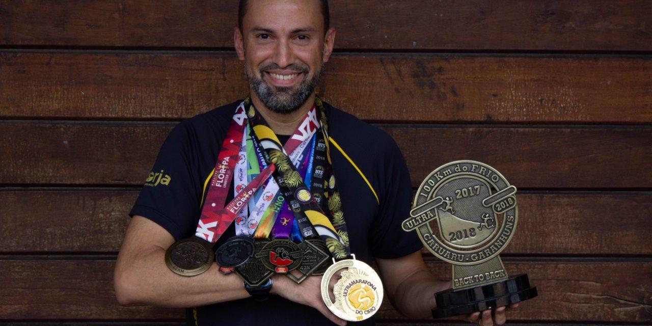 """""""Você não deixa 42 km para trás, deixa cinco meses de treino"""", comenta o ultramaratonista Lauro Pinheiro"""