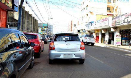 Estacionar em fila dupla lidera o número de infrações em Imperatriz