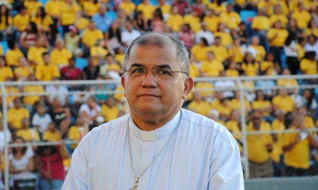 """""""A fé tem uma dimensão política"""", afirma o bispo responsável pela transformação do Corpus Christi no maior evento cristão do Estado"""