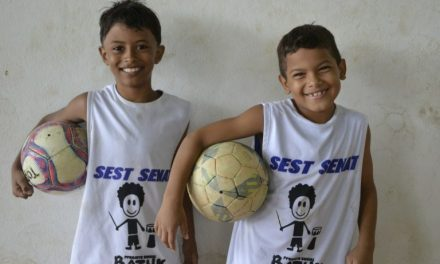 Projeto Batuk que ajuda crianças precisa de voluntários para aulas de reforço