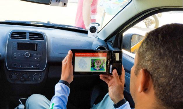 Autoescolas usam câmeras para monitorar aulas e preço da CNH fica mais barato