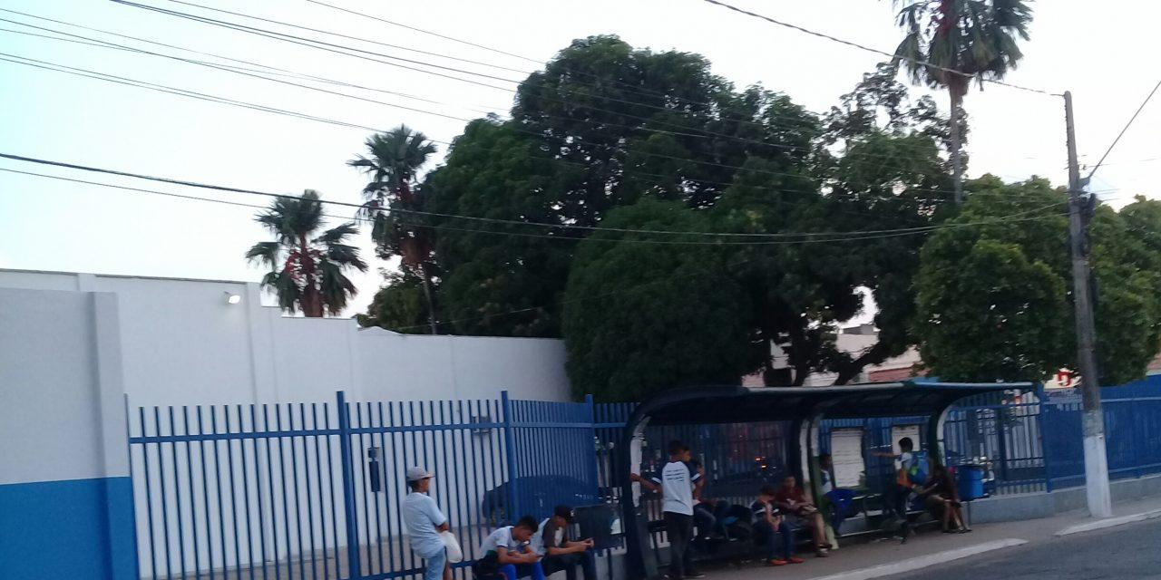 Passageiros reclamam de atrasos na linhas de ônibus em Imperatriz