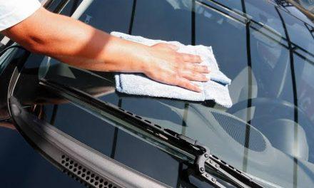 Que tal beber uma gelada enquanto lava o carro? Oito lava a jatos que oferecem esse serviço a você