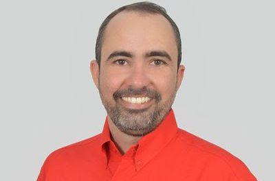 Entrevista: Sandro Ricardo promete deixar bares abertos até 5 da manhã para valorizar classe artística