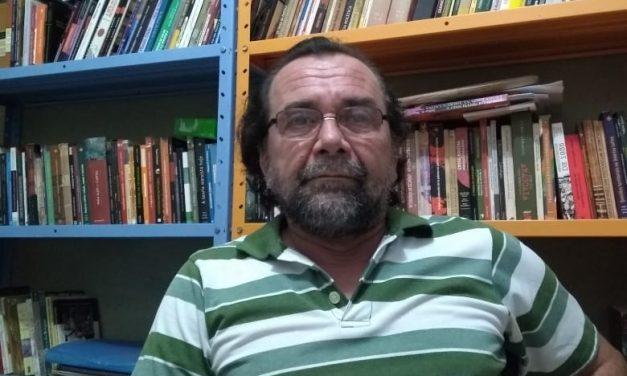 """""""Os vereadores são eleitos para prestar serviço à população"""", explica Carlos Alberto Claudino sobre ações da Câmara Municipal"""
