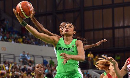 """""""O esporte nunca nos preparou para trabalhar contra o racismo"""", diz a jogadora de basquete Iziane Castro"""