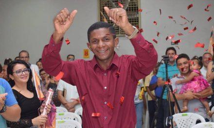 """""""Não somos da base do governo, votamos no que acreditamos que é bom para o povo brasileiro"""", afirma Josivaldo JP, novo deputado federal"""