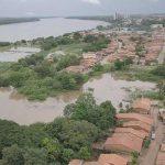 Rio Tocantins sobe mais de seis metros e invade casas e ruas em Imperatriz