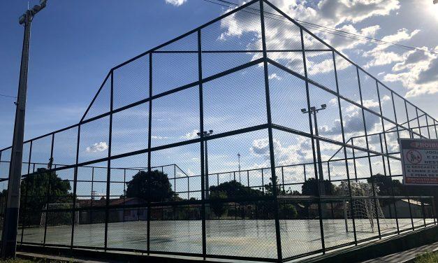 Após quase dez anos, prefeitura de Araguatins investe na reforma de quadra abandonada