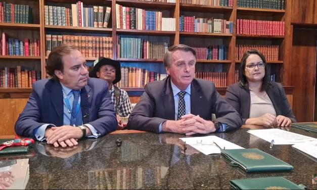 Bolsonaro diz que não entregará faixa presidencial se houver fraude na votação