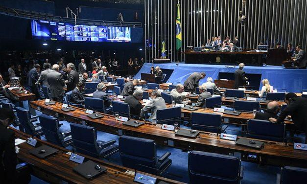 Suplentes de senadores são eleitos juntos com titulares